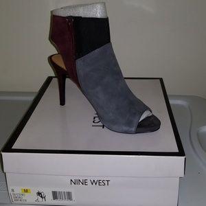 Nine west grey black maroon peep toe heels sz 8